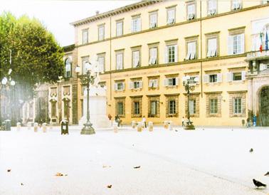 La Cour Paris