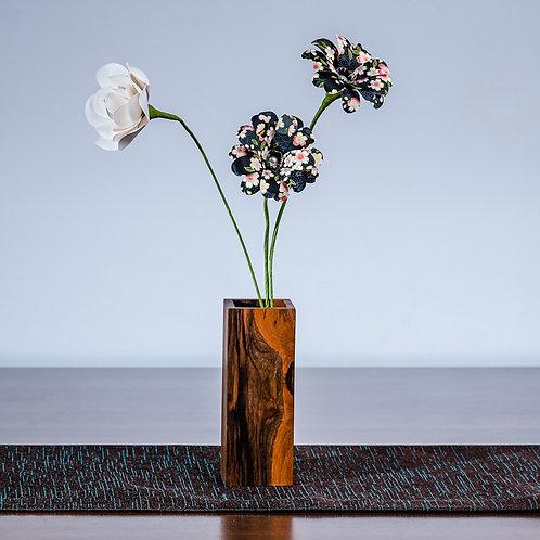Design de obiect din 3 flori - Sakura negru
