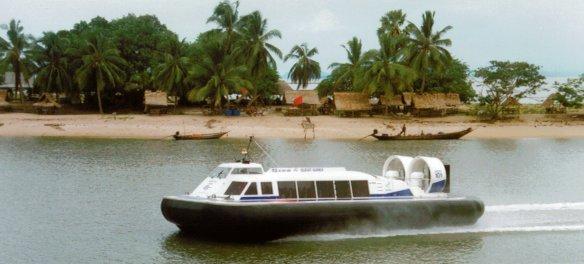 Thai 3000TD along beach