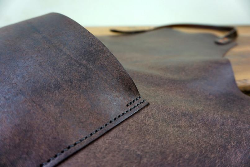 Full Apron Pocket Detail