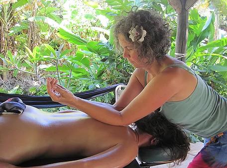 Student of Shamanic Bodywork offering Temple Style / Kahuna Bodywork or Massage