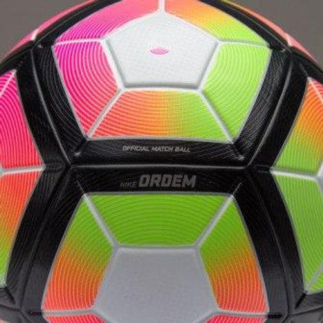כדור כדורגל מקצועי לדשא נייק