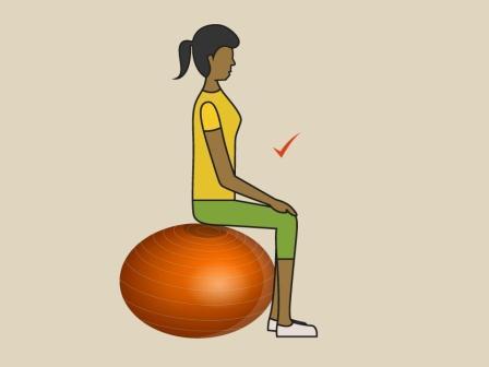 ישיבה נכונה על כדור פיזיו