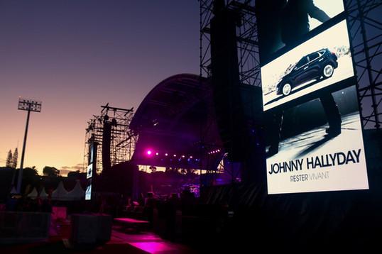 oceania-concert-hallyday-ecran geant led