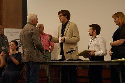 Награждение фильма Эдуарда Тополя «На краю стою», SyrFilmFest'09, Сиракьюс, Нью-Йорк, США, 2009