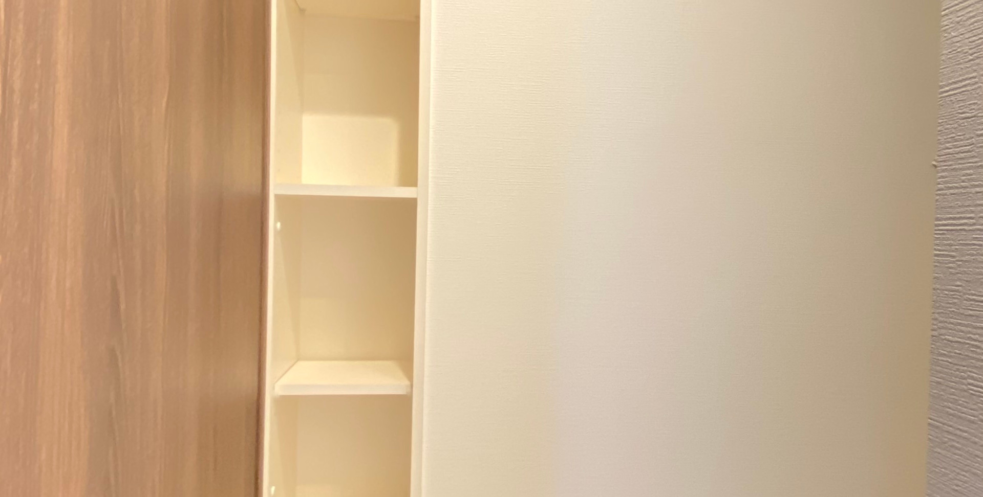 洗面室収納棚