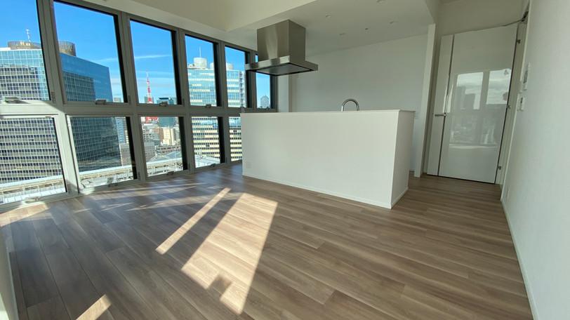室内の2面ほぼほぼを開口部とし、明るさと開放感を享受できます。