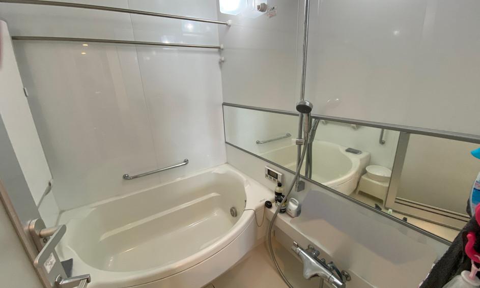 1418サイズのオーバル型バスルーム