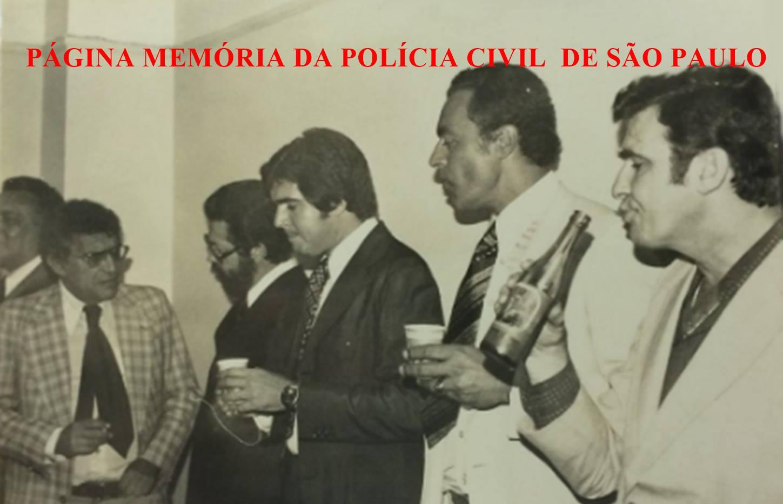 DIG - DEIC, em 1.978. À partir da esquerda, os saudosos Delegados Rodolfo Felipe de Souza e Expedito Marques Pereira; Delegados Rui Stanislau e Miltom Pereira dos Santos e bebendo guaraná, o Investigador Rocco.