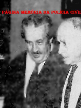 Repórter Policial Orlando Criscuolo abraçando o lendário marginal Gino Amleto Meneghetti, que aos 93 anos foi preso pela última vez em sua vida de crimes, em 1.970.