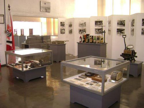 Visão geral no Musei do Crime da Acadepol sobre contrafações e falsificações.