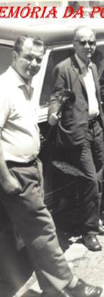 """Delegacia do Município de Bragança Paulista, no início da década de 70: À partir da esquerda, Rubens Vasconcellos Diniz, Delegado de Polícia Antonio Carlos de Toledo Neto; Investigadores Djahy Tucci Junior ( Atual Delegado Seccional Leste) e Fernando Arruda (hoje Promotor de Justiça); Escrivão Fausto Russomano """"in memorian""""; e Antônio da Silva """"Ninho"""", ex- funcionário da Ciretran e da Estrada de Ferro Bragantina."""