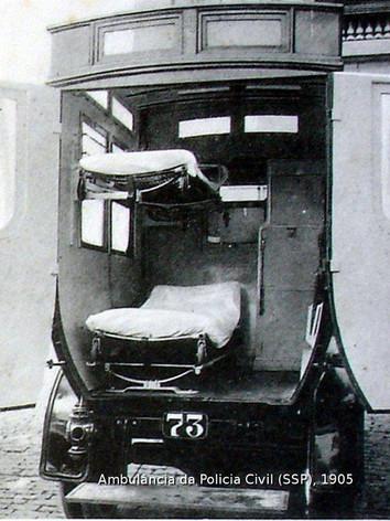 Viatura Ambulância da Polícia Civil em 1.905.