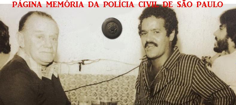 """Investigadores da Delegacia Sede do Município de Bragança Paulista, Cassiano e Hélio Pires """"in memoriam"""", no final da década de 70."""