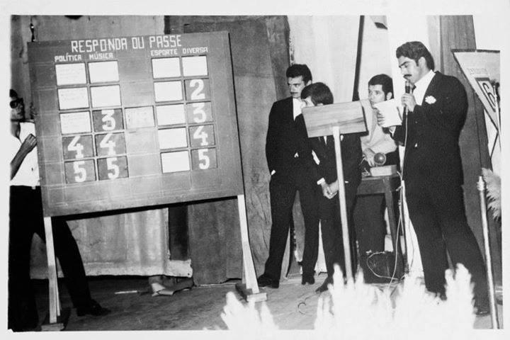 Investigador de Polícia Manuel Bento Ferreira (hoje aposentado e morando na Praia Grande), quando era apresentador do Programa Domingo Alegre da cidade de Presidente Alves/SP, em meados de 1968