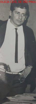 """O saudoso Investigador de Polícia do 43º Distrito Policial do antigo DEGRAN (atual DECAP) Henrivaldo Melo dos Santos """"Coelho"""", morto em serviço, em Novembro de 1981, na Zona Sul de São Paulo. Acervo do filho Henrique M. Barros."""