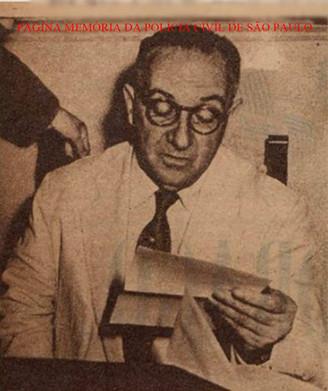 Diretor do DOPS- Departamento de Ordem Política e Social, Delegado de Polícia Walter Autran (Pai do ator Paulo Autran), em 1.948.