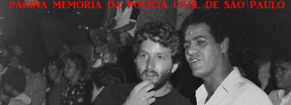 Investigadores da Delegacia Seccional de Bragança Paulista, em serviço no carnaval de rua da cidade, João Valle da Silva Leme (posteriormente Delegado) e o saudoso Hélio Pires, em 1.982. Acervo de Antônio Sonsin.