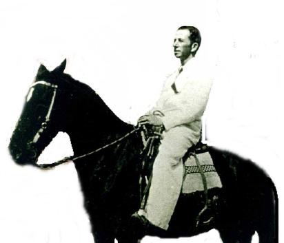 Delegado de Polícia das cidades de Buri, Descalvado, Salto Grande e Pirassununga, Vicente de Paula Neto, na década de 30.