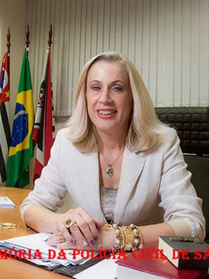 Delegada da Polícia Elaine Maria Biazola, a primeira mulher Diretora do DENARC- Departamento de Investigações sobre Narcóticos do Estado de São Paulo, em 2.014. Atualmente Delegada da 5ª Seccional do DECAP.