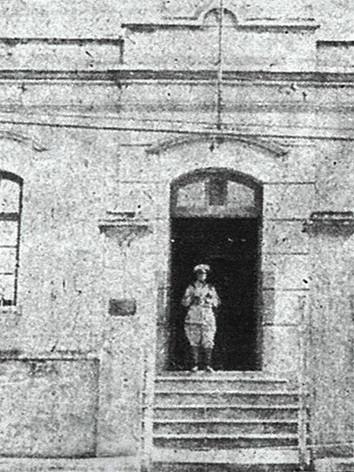 Prédio construído em meados de 1.880, sendo a primeira delegacia de Santo André. (enviado pelo Investigador Marcio Piva, que trabalha neste DP).