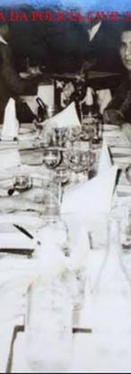 Investigadores Luiz Carlos Laudares, Calderari, (?); saudoso Delegado Wander Maia; Dr Mauricio Lemos Freire (ex DGP), (?); Delegado Joaquim Dias Alves e (), em jantar num restaurante em Assunção do Paraguai, na década de 70.