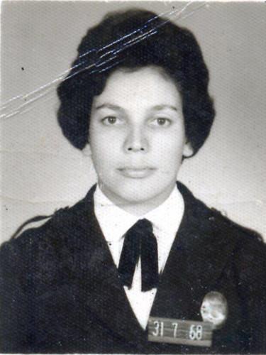 A saudosa Inspetora de 1ª Classe Martha Lima Gonçalves, da Polícia Feminina de São Paulo, mãe da investigadora de polícia Priscila Gonçalves de Figueiredo (1968).