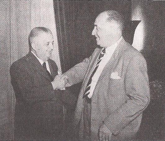 Delegados de Polícia Afonso Celso de Paula Lima e Walter Autran (pai do ator Paulo Autran) em 1.949, Dr. Autran transmitindo o cargo de Diretor do DOPS para seu colega.