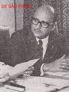Solenidade de posse da primeira diretoria da ADEPOL- Associação dos Delegados de Polícia do Brasil, em 1 de novembro de 1.970.  Delegados de Polícia Ary José Bauer, ao centro, Rui Dourado, à direita e o Delegado de MG Lúcio Gentil a esquerda.