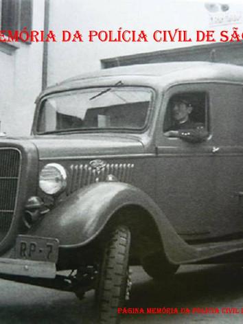 Viatura furgão Ford, ano 1934 utilizado pela Polícia do Estado de São Paulo.