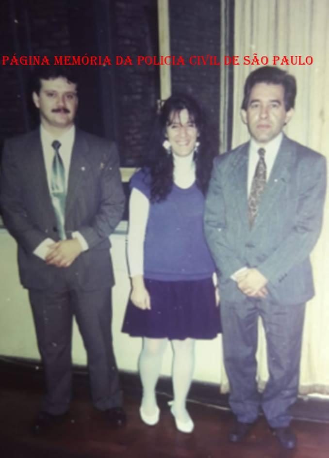 Equipe D do DHPP, em 1989. Delegado Adjunto Nestor Penteado, escrivã Fabíola Sampaio e o Delegado Titular Itagiba Franco.