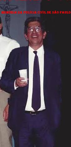 Escrivão de Polícia Leite, trabalhou muitos anos na 4ª Delegacia da DISCCPAT- DEIC e foi Chefe Geral dos Escrivães do Estado de São Paulo (passou para Delegado na década de 80).