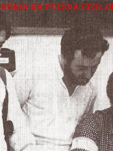 """Equipe da antiga Divisão de Entorpecentes do DEIC, na década de 80. Mineirinho e Agnaldo """"Patinho"""", ambos """"in memorian""""; e Chefe da DISE """"Santão""""."""
