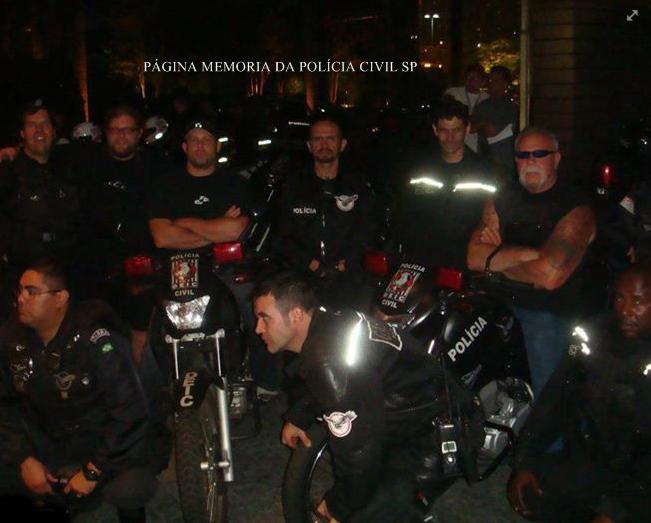 Policiais operacionais do GARRA- DEIC de São Paulo, com Paul Teutul, que participa com seus filhos Paul Teutul, Jr. e Michael Teutul, do reality show American Chopper. Nas oficinas da Orange County Choppers (OCC), empresa de Paul, eles customizam motocicletas, as choppers, tão populares nos EUA. Localizada na cidade de Montgomery, no estado de Nova Iorque, nos EUA; também é o local da gravação do popular reality show. A série mostra além da construção das incríveis motos temáticas, as brigas entre Paul Sr. (pai) e Paul Jr. (filho). Estão sempre brigando por problemas na construção das motos ou até mesmo por pequenos motivos, como uma broca perdida ou pela sujeira na oficina. Mas há a controvérsia também: se ele não for assim, a oficina não anda, projetos não são entregues. Porém, ele sempre perturba os trabalhadores na oficina, onde Paul Jr às vezes também enfurece e entra na briga com seu pai. Tais brigas são, provavelmente, o que fizeram o programa fazer tanto sucesso.