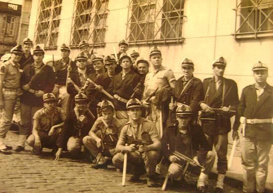 Polícia Marítima, defronte o Palácio da Polícia de Santos