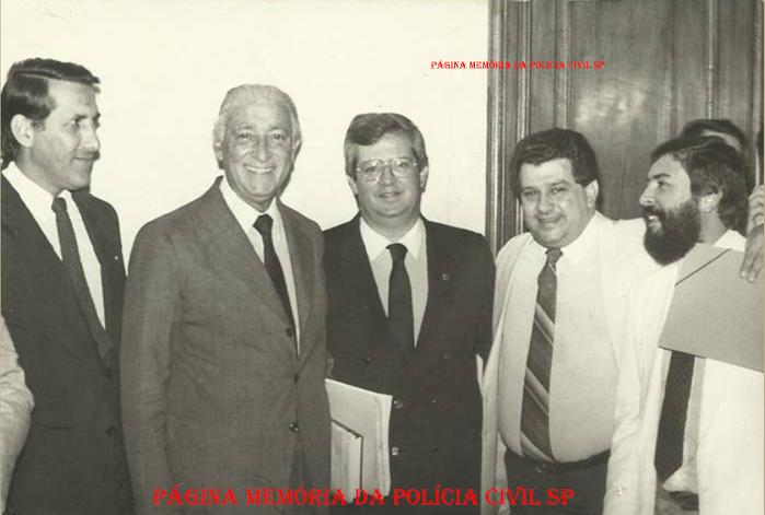 Início da década de 80. Ex Governadores Orestes Quércia e Franco Montoro; ao centro o Delegado de Polícia Cyro Vidal Soares da Silva; Deputado Ary Kara e o ex- Deputado Estadual Delegado Randal Juliano Garcia, de Jundiaí.