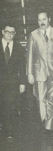 O ministro Delfim Netto e o professor Dr. José Cesar Pestana, nos corredores da Academia de Polícia, na solenidade de homenagem a aposentadoria do prof. Luiz Apollonio (1972).