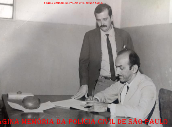 Delegado Mansur Jorge Said, transmitindo o cargo de Delegado do Município de Pedregulho ao recém chegado Delegado Roberto Fernandes, em 1.972.