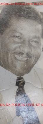 """Investigador ícone da Polícia Civil de São Paulo, Geraldo Georgino das Neves, 'Geraldo do Assalto"""",  """"Geraldo do Assalto"""", era integrante da melhor equipe do Setor de Assaltos da DISCCPAT do DI- Departamento de Investigações """"Kilo"""", nas décadas de 50 e 60, com os Investigadores Deodato da Fonseca """"Deusdato"""" (Chefe), Antonio Juliano Sobrinho """"Juliano"""", Boiadeiro e Geraldo Georgino das Neves """"Geraldo do Assalto""""."""
