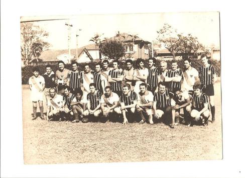 Jogo de futebol realizado no dia 15 de julho de 1972 no antigo campo da GE em Santo André, entre as Delegacias de Santo André e Diadema (Seccional do ABCD - DEGRAN).