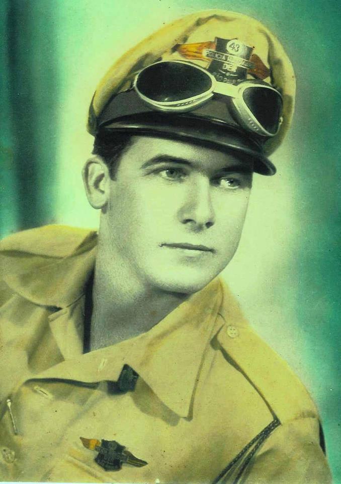 Patrulheiro da extinta Polícia Rodoviária do Estado de São Paulo, na década de 60 (foto colorizada)