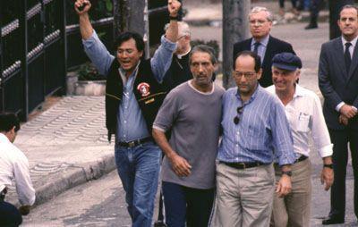 Libertação do empresário Abílio Diniz. Na foto, o investigador Oscar Matsuo (anos 80).