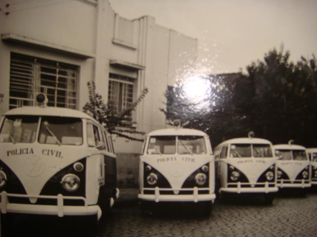 Viatura Volkswagem perua Kombi, década de 60 e 70. (enviado pelo Policial Civil Mario Eduardo, da Seccional de São Bernardo do Campo).