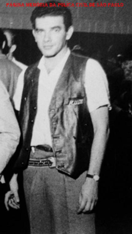 "Faleceu na noite de 08/05/2019, o Investigador da Velha Guarda da PC, Antonio Roberto Costa Cavalcanti, ex RUDI, DOPS e ""Kilo""."