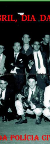 """SALVE 21 DE ABRIL, DIA DO POLÍCIAL CIVIL. Na foto Policiais Civis da RUDI- Ronda Unificada do Departamento de Investigações, em 1.963. De pé, à partir da esquerda Investigadores Fernando, Roberto dos Santos """"Robertão Dama da Noite"""", Nunes, Mario Bibini; Delegado José Garrigós Tarifa; Investigadores João Fumis Filho, Augusto Waldemar Veneziano, Jonas, José Campos Correa Filho """"Campão"""", Marcos Paranhos Fleury, Joaquim Olacyr, Jadala Risk e Akira. Agachados: Investigadores Radamés Moyses de Barros, João Carlos Mandruzzati, Nelsinho, Mário e Mesquita """"Rolha"""". (Acervo do filho do Investigador ícone da RUDI """"Campinho"""", Advogado Dermeval Campos)."""