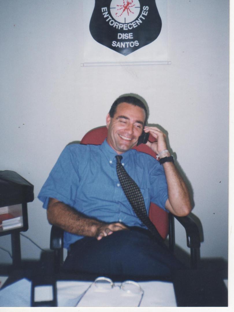 """Delegado de Polícia Titular da DISE de Santos, Antônio Carlos de Castro Machado Junior Machado Junior """"Caio"""", em 1.998."""" (foto do jornalista Marcio Harrinson)"""