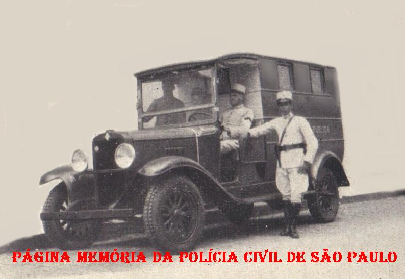 Viatura Assistência (ambulância) do Município de Campinas, da Polícia do Estado de São Paulo, em 1.930.