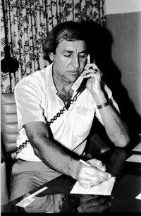 Delegado de Polícia Wilson Viegas, em sua sala na Delegacia de Cândido Motta, década de 80.