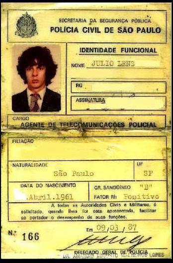 Carteira Funcional do Agente de Telecomunicação Júlio Lens Fininho, expedida em 09 de março de 1987.
