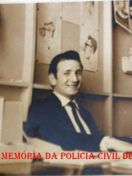 Ícone da reportagem policial Joao Bussab, na TV Cultura, na rua 7 de Abril, década de 60.